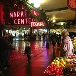 Infobox_pdx_allisonejones_pikeplacemarket_night
