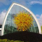 Infobox_sea_seattlefoodgeek_chihuly_yellow