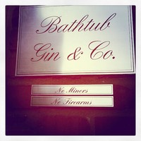Full_lax_gastronomyblog_bathtubgin_sign
