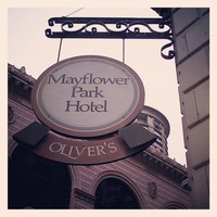 Full_lax_gastronomyblog_mayflower_hotel_sign
